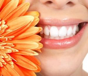 Как да имате естествено розови устни?