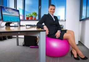 Как да се движите повече при работа зад бюро?