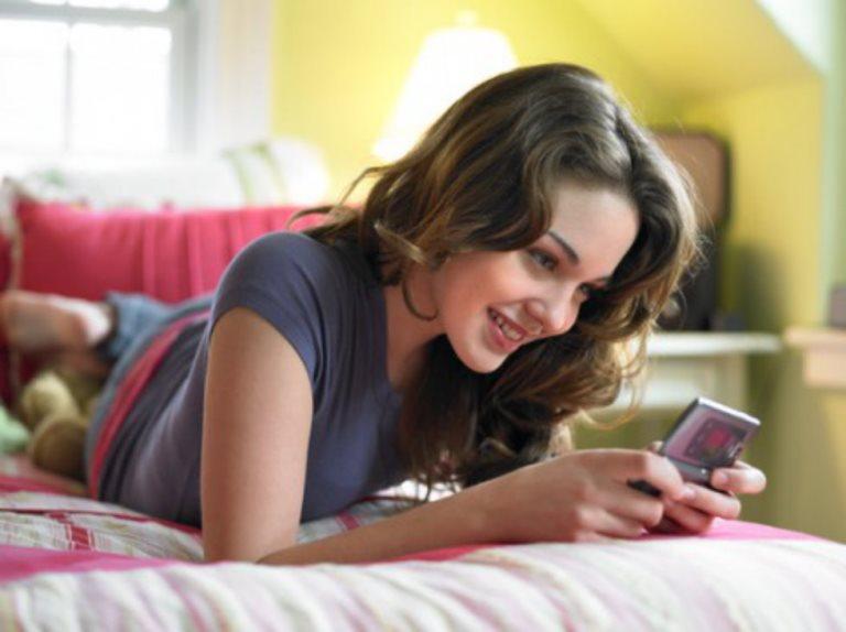 Флирт по телефона – SMS идеи