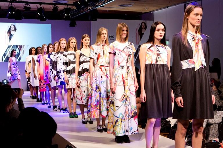 P&G Future Fabrics Giles Deacon Show_1