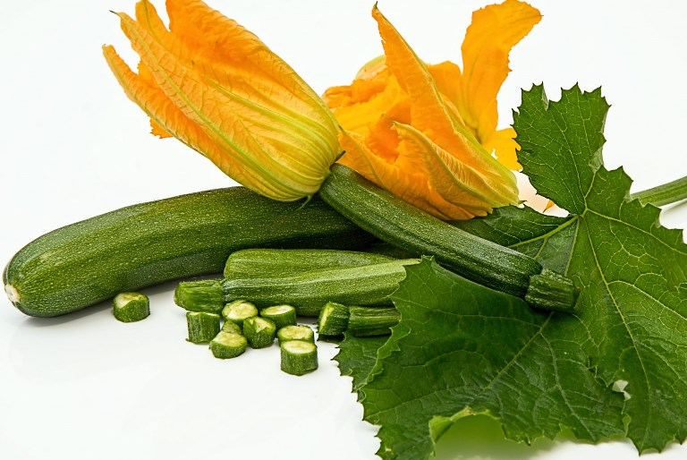 zucchini-vegetable-fruits-flowers-top-ultra-hd-wallpapers-2560x1440