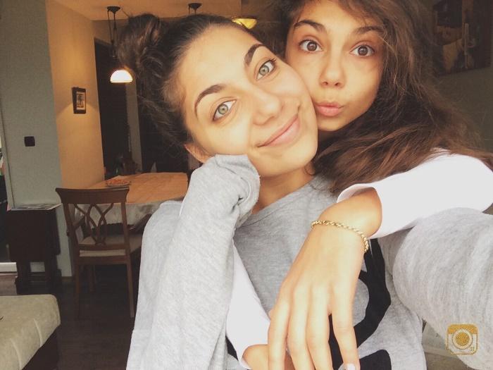 Жаки и сестра й Никол споделиха селфи през Skype, специално за читателите на Sense4Style.com